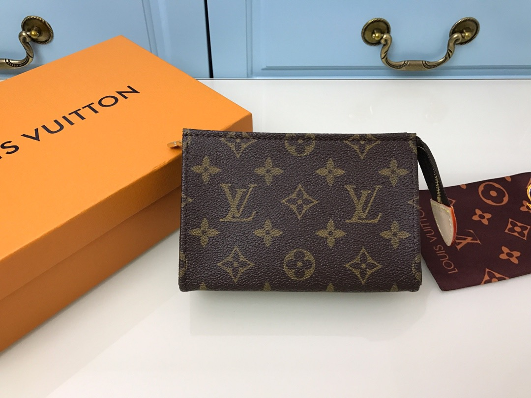 LV SMALL POUCH M47546 WALLET 15.0x10.0x4.5cm