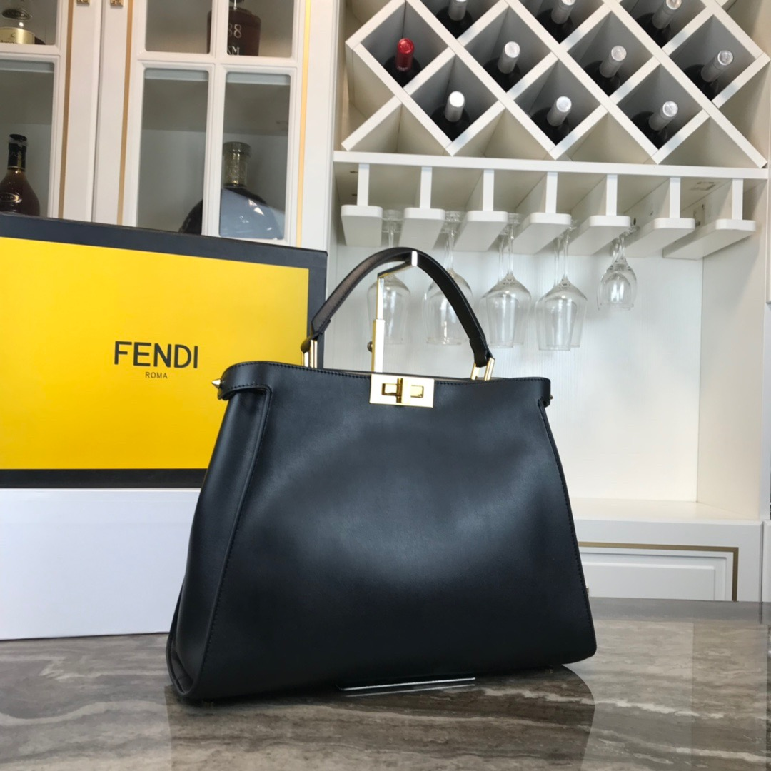 FENDI HANDBAG Peekaboo Essentially 1986 38-27-14cm