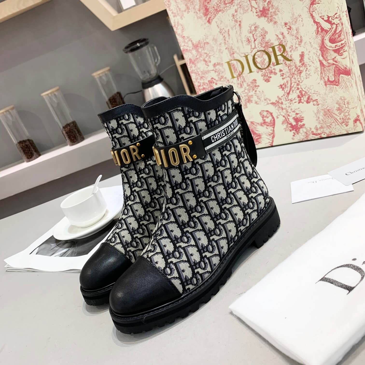 DIOR WOMENS BOOTS EUROPE SIZE 35-41